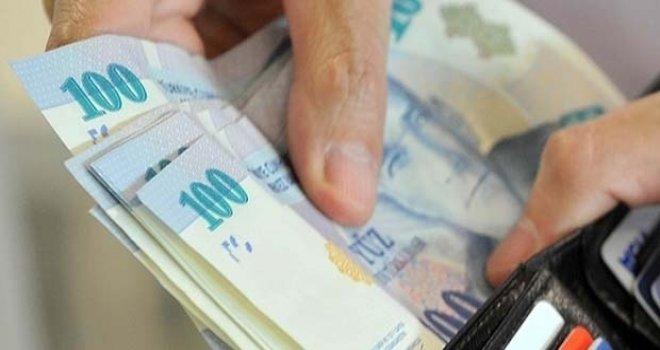Çalışan emeklilerin maaş kesintisi kaldırıldı
